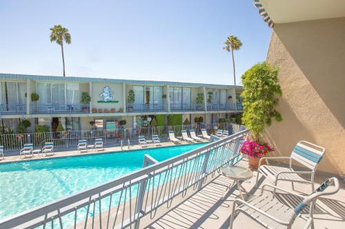 Travelodge Hotel at LAX photo 16