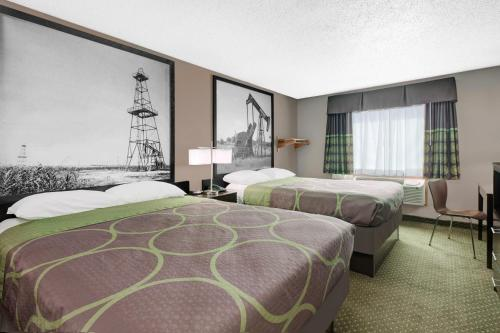 Super 8 Bedford DFW Airport By Wyndham Photo