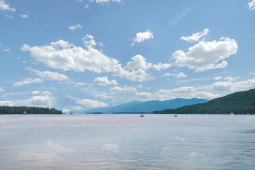 Super 8 Lake George Photo