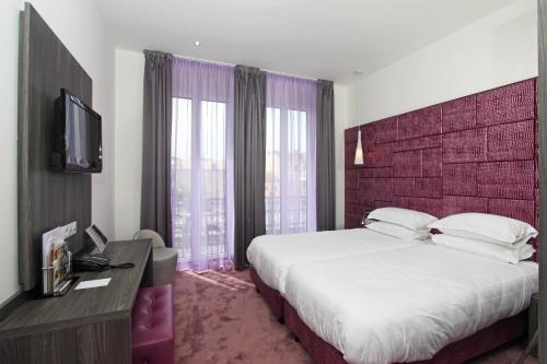 34 Boulevard d'Alsace, 06400 Cannes, France.