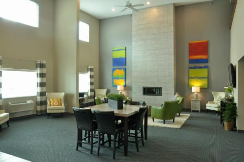 Brookstone Lodge & Suites - Algona, IA 50511
