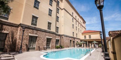 Hampton Inn And Suites Savannah Historic District - Savannah, GA 31401
