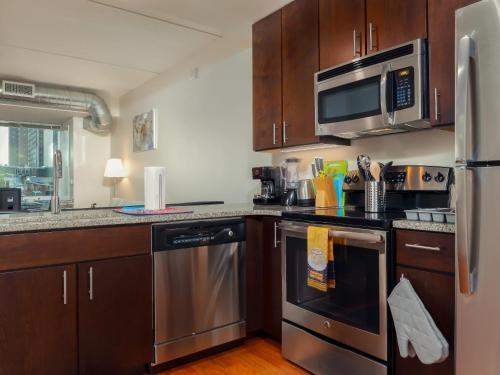 Fantastic Philly Fully Furnished Apartments - Philadelphia, PA 19103