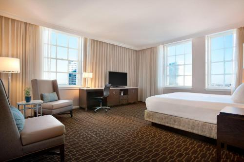 Hilton New Orleans / St. Charles Avenue Photo