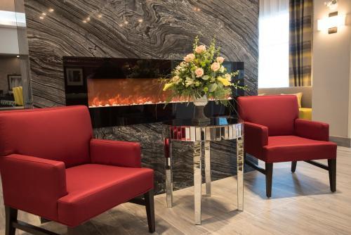 Hampton Inn & Suites Thunder Bay Ontario Canada - Thunder Bay, ON P7E 5R9