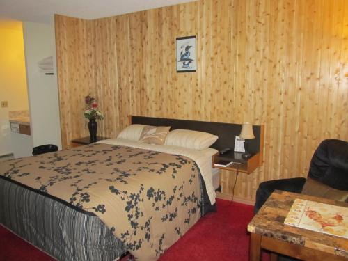 Hide Away Motel - Dryden, ON P8N 2Y4