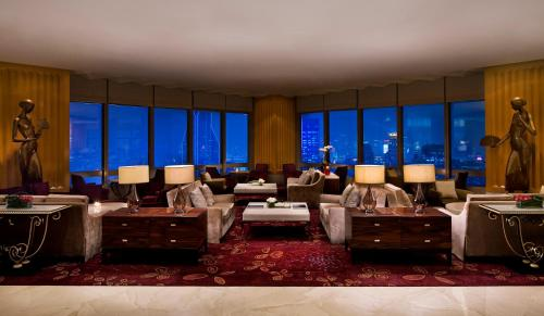 JW Marriott Shanghai at Tomorrow Square photo 2