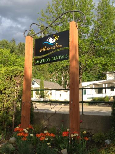 Mistiso's Place Vacation Rentals - Nelson, BC V1L 4G3
