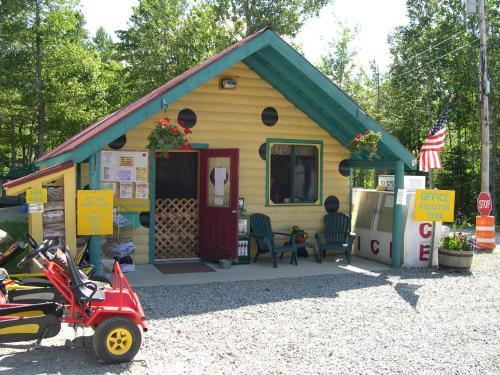 Patten Pond Camping Resort Cabin 5 - Ellsworth, ME 04605