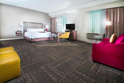Hampton Inn & Suites La Porte, TX Photo