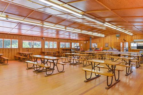 Cutty's Hayden Creek Resort - A Cruise Inn Park - Howard, CO 81222