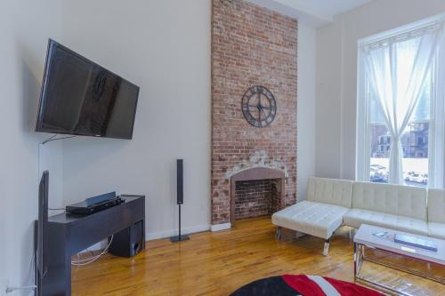 Studio Plus - Midtown Spacious Apartment Photo