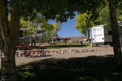 Gunnison Lakeside Rv Park & Cabins - Gunnison, CO 81230