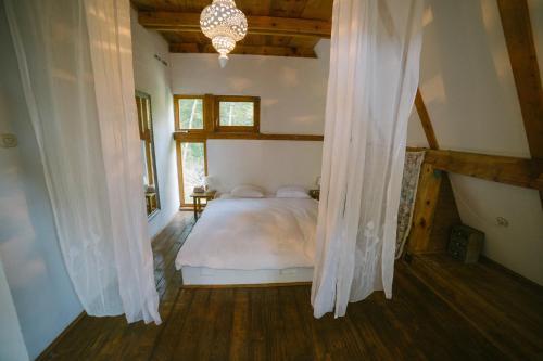 Herzegovina Lodges Boracko Jezero