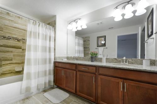 Five Bedroom Villa At Storey Lake 66292 - Kissimmee, FL 34746