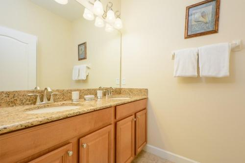 Five Bedroom House At Paradise Palms 87375 - Kissimmee, FL 34747
