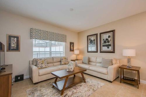 Four Bedrooms Villa At Storey Lake 87683 - Kissimmee, FL 34746