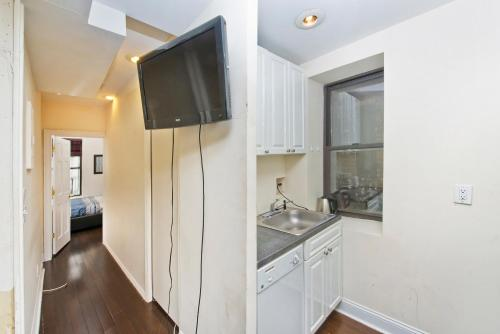 Amazing 2 Bedrooms at Theater District Photo
