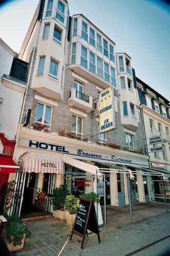 Hotel Des Arcades Saint Cast