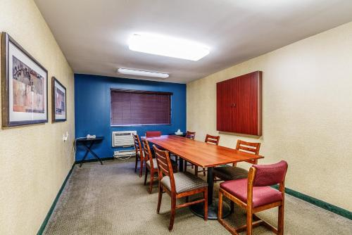 Motel 6 Appleton Photo
