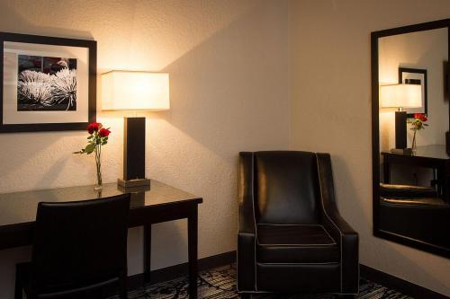 Americas Best Value Inn and Suites Granada Hills-Los Angeles Hotel on