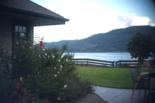 Country Bay Manor B&b - Nanaimo, BC V9P 9E8