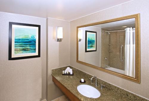 Embassy Suites Hotel Seattle-north/lynnwood - Lynnwood, WA 98036