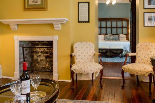 The Marshall House Photo