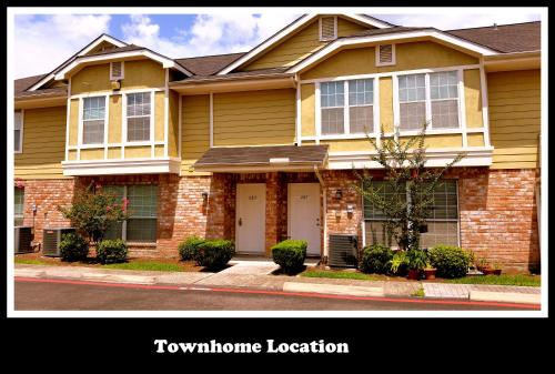 (286) Energy Corridor Townhome - Houston, TX 77043