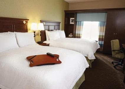 Hampton Inn And Suites Altoona-des Moines By Hilton - Altoona, IA 50009