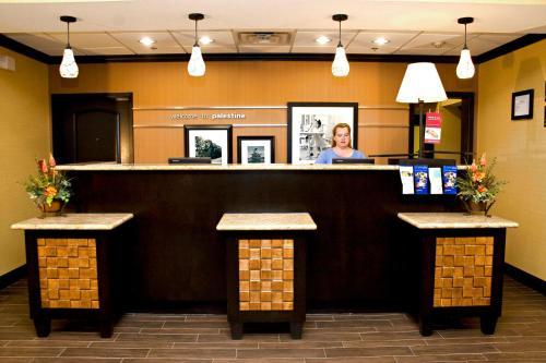 Hampton Inn & Suites Palestine - Palestine, TX 75801