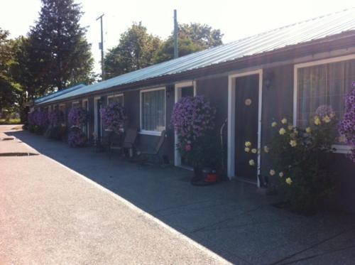 Riverside Motel Port Alberni - Port Alberni, BC V9Y 3Y9
