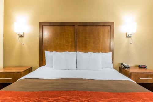 Comfort Inn & Suites Dalton Photo