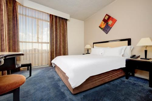 Protea Hotel by Marriott Johannesburg Parktonian All-Suite Photo