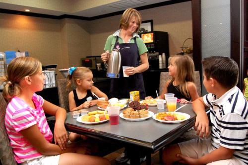 Hampton Inn & Suites Mount Pleasant in Mount Pleasant