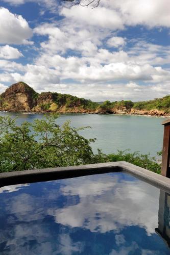 1 Redonda Bay, Tola, Rivas 48500,Nicaragua.