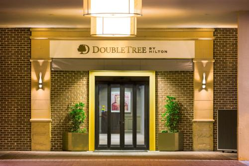 DoubleTree by Hilton Historic Savannah Photo