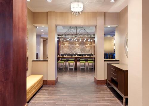 Hilton Minneapolis/St. Paul Airport Mall of America Photo