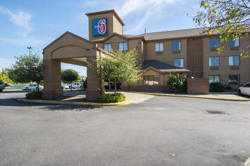 Motel 6 Indianapolis - Airport photo 9