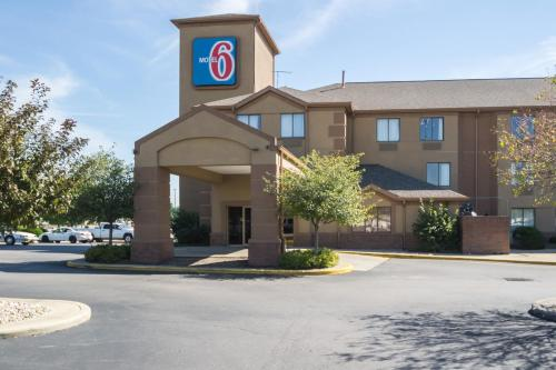 Motel 6 Indianapolis - Airport photo 11