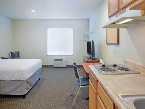 Woodspring Suites Dickinson - Dickinson, ND 58601