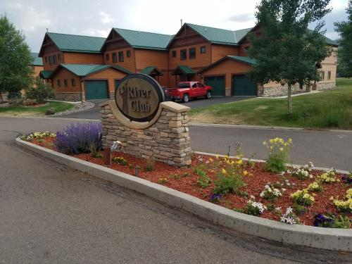 Golf Course Casa - South Fork, CO 81154