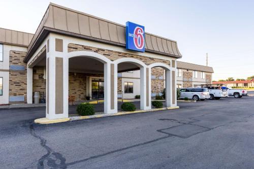 Motel 6 Springfield OH Photo