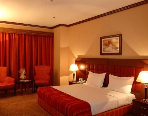 Grand Central Hotel Photo