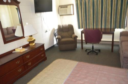 Grand Inn Fargo Photo