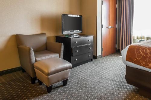 Comfort Suites Hobbs Photo