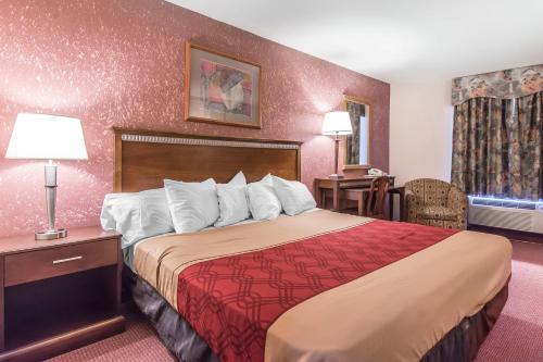 Econo Lodge Orillia Photo