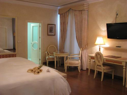 Twin Room Hotel Santa Isabel 15