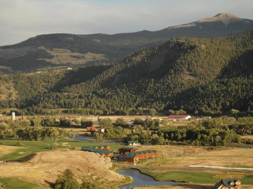 Five-bedroom River View - South Fork, CO 81154