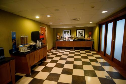 Hampton Inn & Suites Radcliff/fort Knox - Radcliff, KY 40160